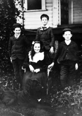 Berry children, step-children of Vancouver mayor L.D. Taylor