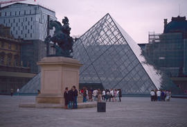 Sculptures and Art : Louvre, Paris