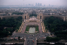 Landscape - general : U.N. Building (Paris)