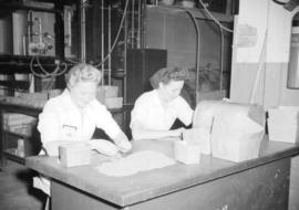 [Women at work at the Boeing plant on Sea Island]