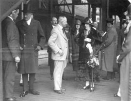 [Mayor L.D. Taylor speaking with Lady Byng at C.N. Station during Governor General Lord Byng&#039...