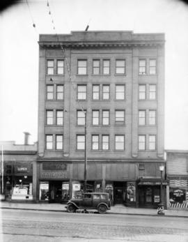 [Exterior of Hotel Howard - 124 East Hastings Street]