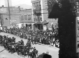 [Duke and Duchess of Cornwall and York on parade at Hastings and Homer Streets]
