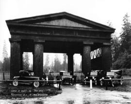 "Coast to coast by ""Reo Six"" [motor cars], Vancouver to New Brunswick - Reo Motor Car Ag..."