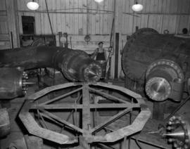 [Vancouver Iron Works Ltd. assembling parts in the Bridge-River generator]