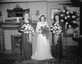 Nicholson-Dunsmuir Wedding - the bride and bride's maids