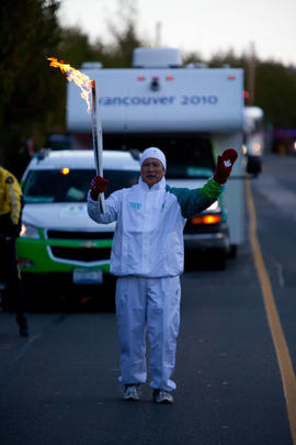 Day 002, torchbearer no. 103, Lawrence Tang - Chemainus, Sooke