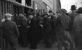 [Union members entering Athletic Park for the boiler workers and shipbuilders union rally]