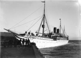 "[R.M.S. ""Empress of Japan"" at dock at Outer Harbour, Victoria]"