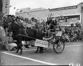 Stickland Fuels horse-drawn cart in 1953 P.N.E. Opening Day Parade