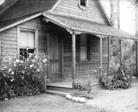 [John and Janet Barrow residence near Lynn Creek]
