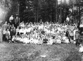 [Mount Pleasant Presbyterian  Church sunday school picnic in Stanley Park]
