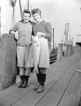 Salmon fishing - Cannery workers [on dock]