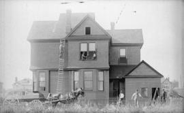 [Construction of Lt. Col. C.A. Worsnap residence, 741 Thurlow Street]