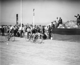 Caledonian Games, Hastings Park [bicycle race]