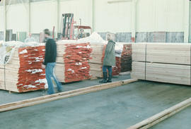 Dec. 17 - Lumber arriving Hangar #6 - 2nds [17 of 19]