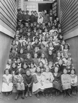[Students on the steps of North Vancouver Public (Chesterfield) School]