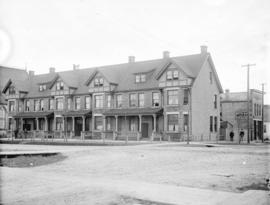 [Buildings at southeast corner of Georgia and Seymour Streets]