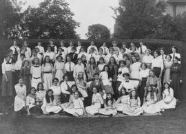 Crofton House staff and students : 1904-1905