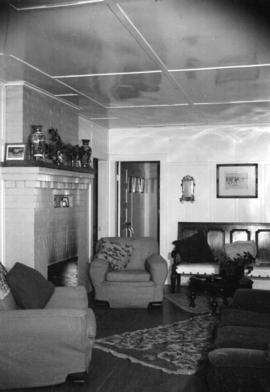 [Interior showing living room at Moy Hall Farm, Sumas, home of Mrs. Roy McIntosh]
