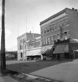 [Imperial Bank and other buildings at Granville and Pender Streets]