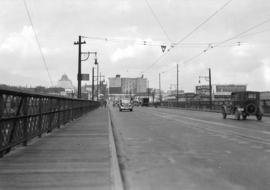 [Looking north along the Granville Bridge towards Pacific Street]