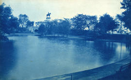 [View of lagoon at Lincoln Park, Chicago, Illinois with monument to General Ulysses S. Grant in b...