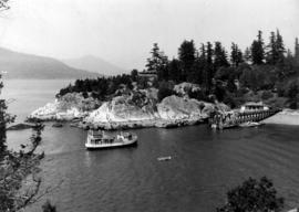 "[View of M.V. ""Comox"" (II) approaching Whytecliff]"