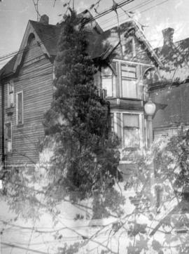 [Exterior of residence - 731 Jervis Street]