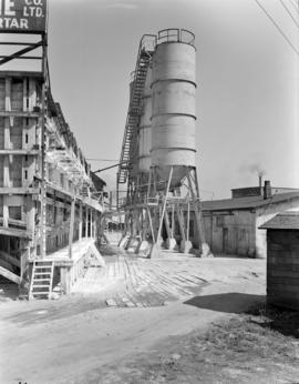[Pacific Lime Co. Ltd. silos]