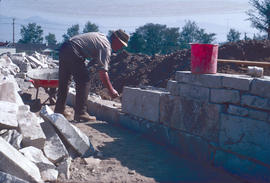 Historical : stone wall construction