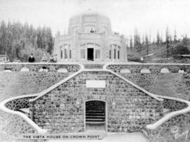 The Vista House on Crown Point