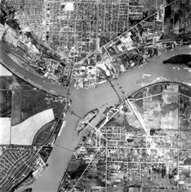 Aerial photo, vertical, Marpole and junction of Fraser River, Bridgeport