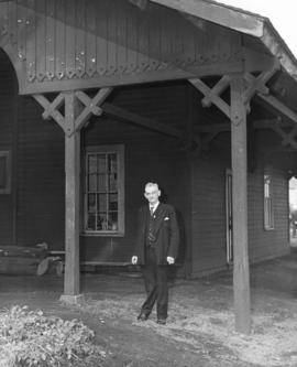 [An unidentified pioneer at the Heatley Avenue Station for the arrival of C.P.R. locomotive No. 374]