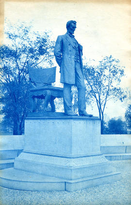 [Statue of Abraham Lincoln in Lincoln Park, Chicago, Illinois]