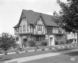 [Photograph of C.T. McHattie residence, 5111 Connaught Dr., Vancouver B.C. : job no 405]