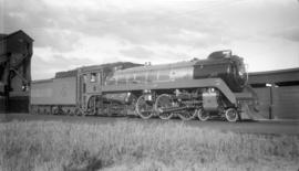 C.P.R. Steam, Pass. Eng. #2850 [Class H1D, Hudson] Royal [train]