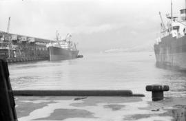 [Freighter docked at Lapointe Pier]