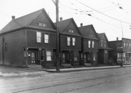 [Houses on the north side of the 400 Block Robson Street]