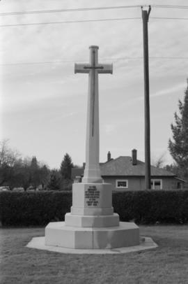 Mountain View Cemetery, World War I monument - built c. 1970s to replace old wooden cross