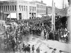 [Crowds assembled at Cordova and Carrall Streets to view procession of the Duke and Duchess of Co...