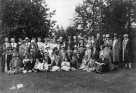 [Group portrait of the] Vancouver Natural History Society at the Botanical Garden, University of ...