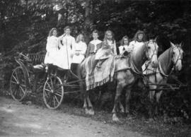 A drive around the park, Stanley Park Stables, a typical party in 1901