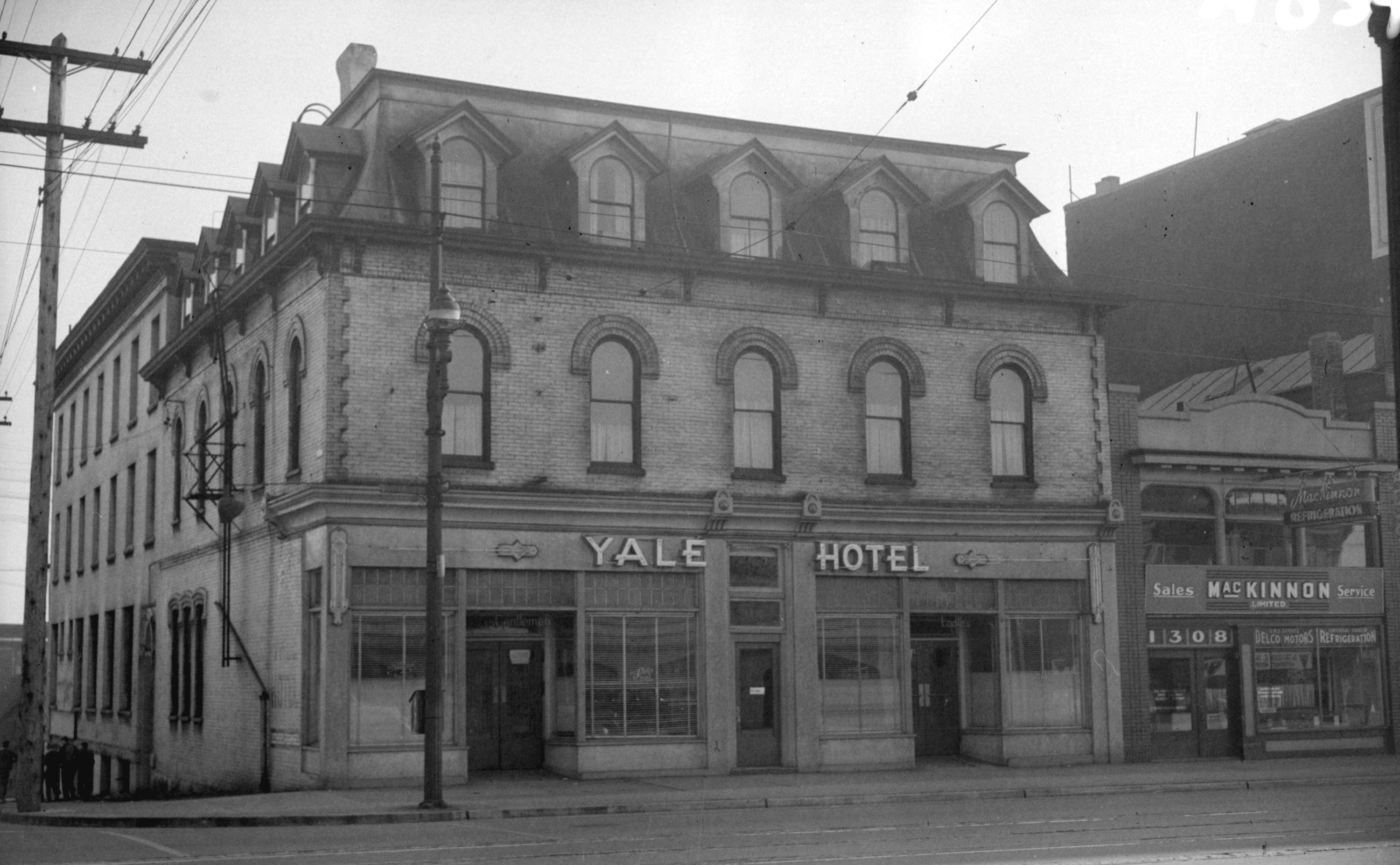 Yale hotel granville street city of vancouver archives for Hotels granville