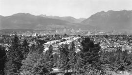 [Northern view of Vancouver from Queen Elizabeth Park]