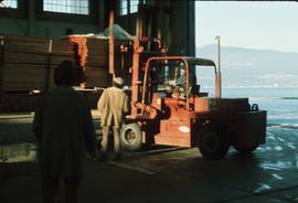 Dec. 17 - Lumber arriving Hangar #6 - 2nds [13 of 19]