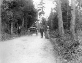 [Unidentified men and women in Stanley Park]