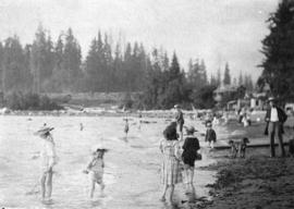 [People at the beach at Stanley Park]