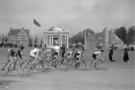 [Bicycle race - Caledonian Games - Hastings Park]