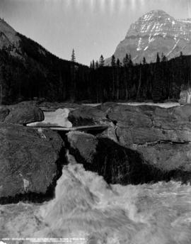 Natural bridge, Kicking Horse River, Field, B.C.